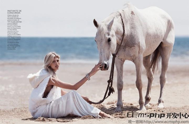帝国cms图集插件:超模Devon登《Vogue》杂志 拍摄沙滩时尚大片(5)