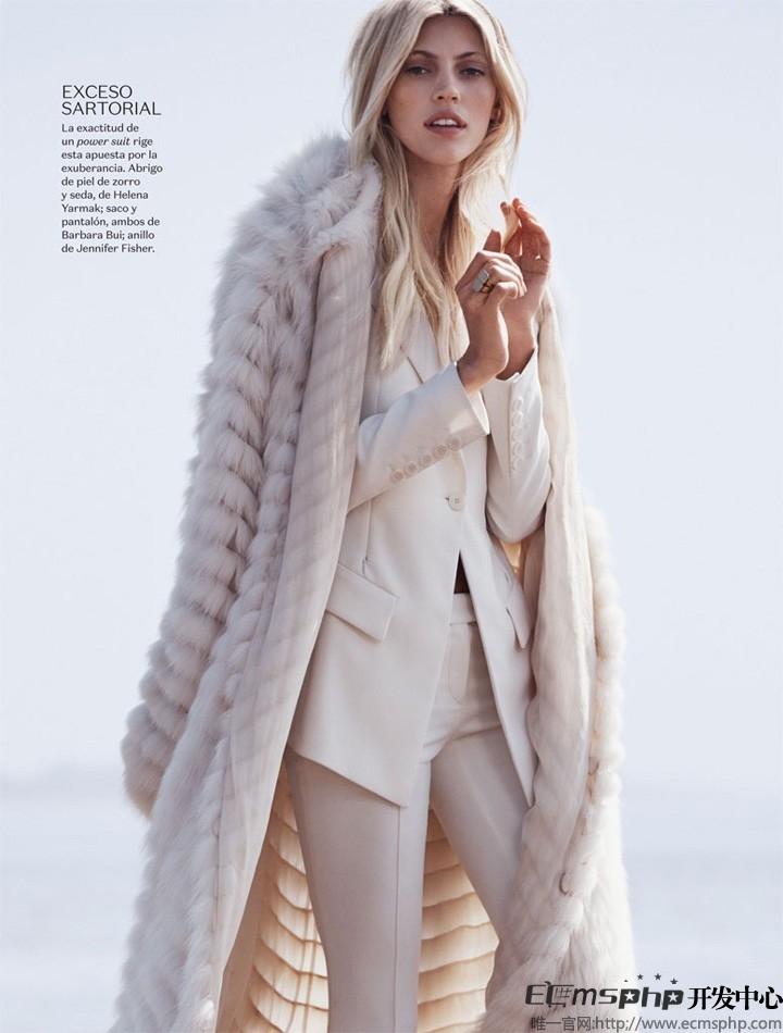 帝国cms图集插件:超模Devon登《Vogue》杂志 拍摄沙滩时尚大片(6)